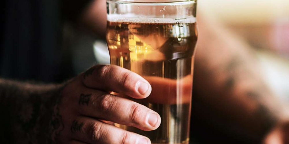 How does alcohol affect Crohn's disease?