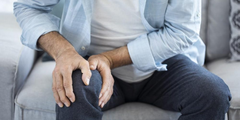 Knee osteoarthritis: What's the best weight loss plan?