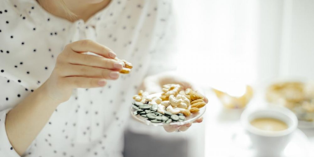 Diabetes: Nuts could reduce cardiovascular risk