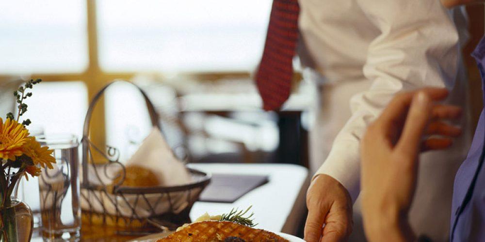 Can Online Reviews Help Health Inspectors Keep Tabs on Restaurants?