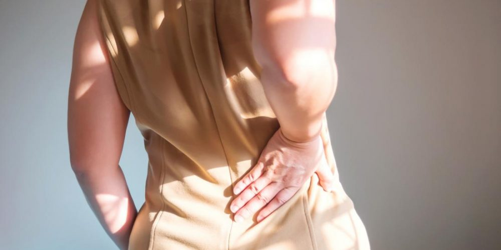 What causes flank pain?