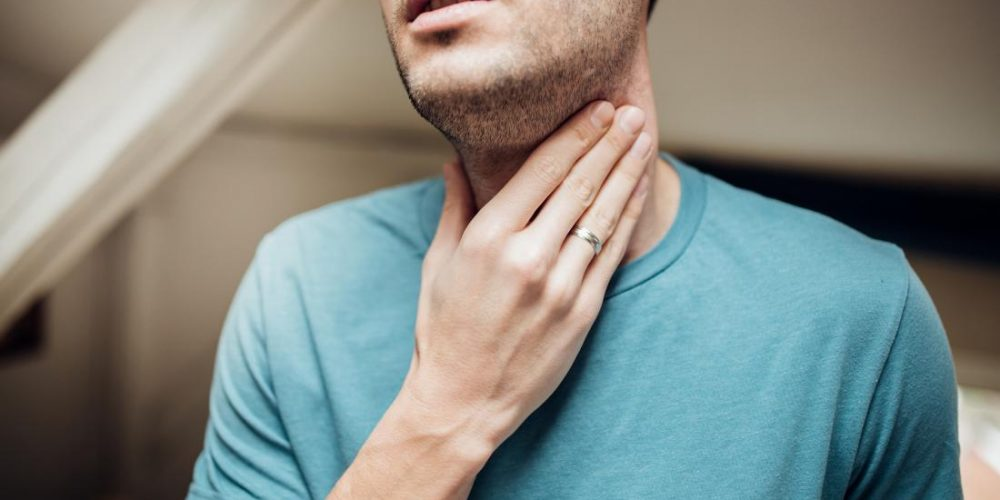 How to tell if a sore throat is from an allergy or a cold