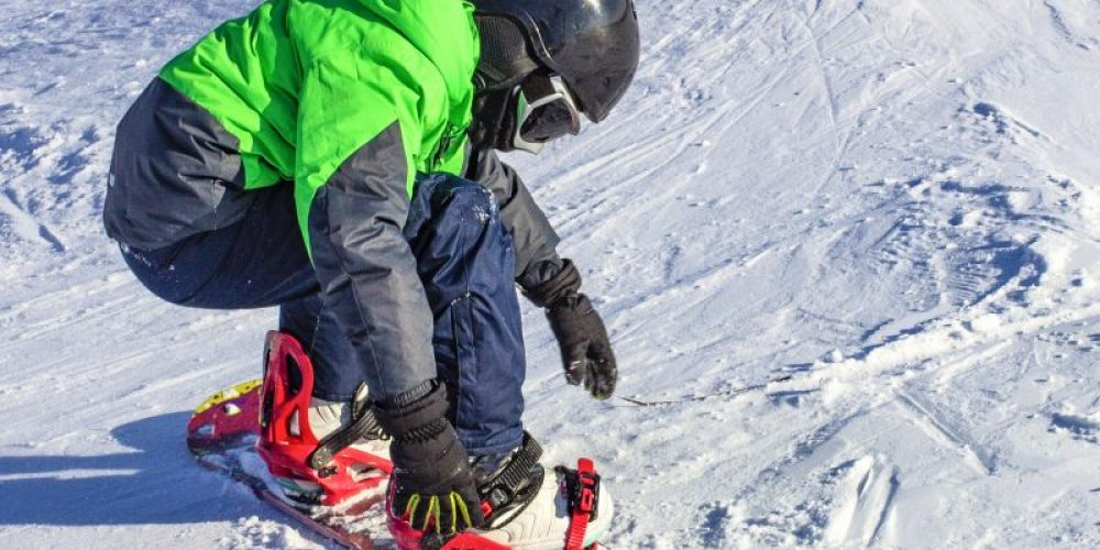 Skiing, Snowboarding Injuries Most Severe Among Younger Kids