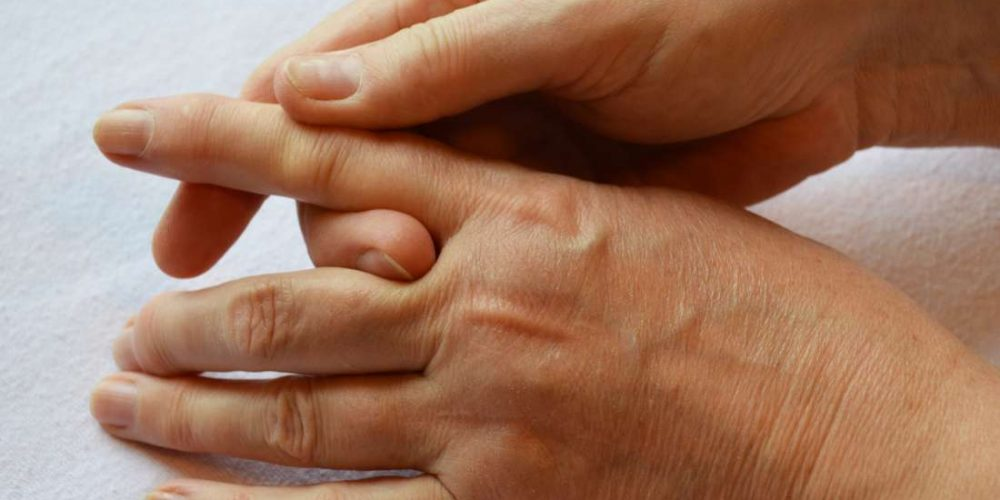 Causes and treatments for stiff fingers