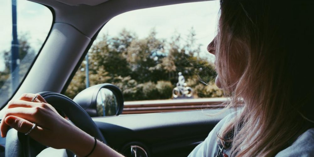 Listening to music while driving may help calm the heart