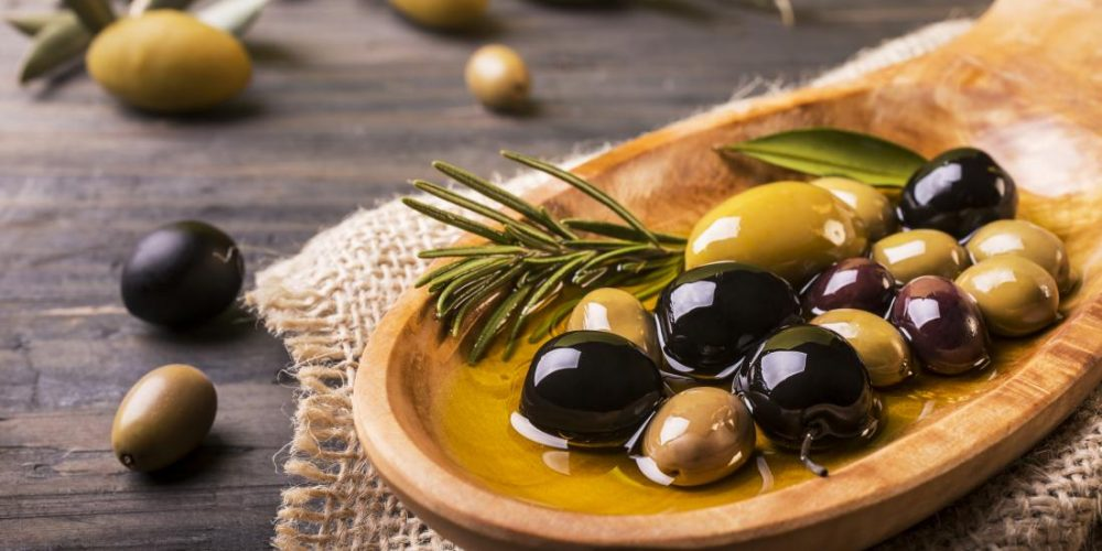 Olives: Nutrition and health benefits