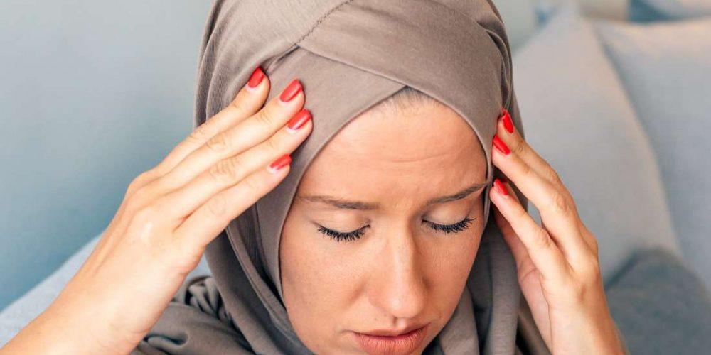 What are migraine auras?