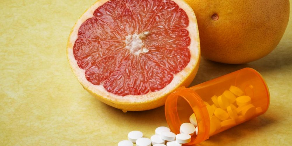 Can you eat grapefruit while taking metformin?