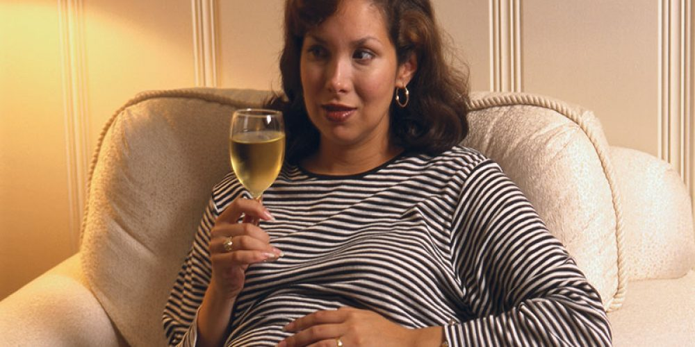 Even a Little Drinking While Pregnant Ups Miscarriage Odds: Study