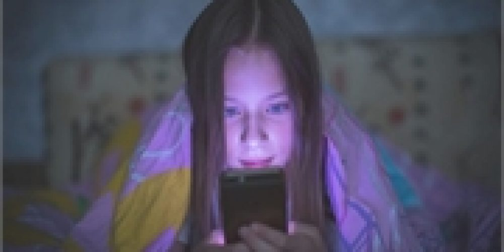 More Teen Time on Social Media, More Eating Disorders?