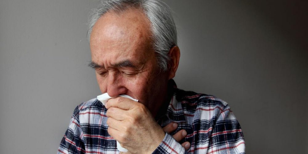 What are the early signs of COPD?