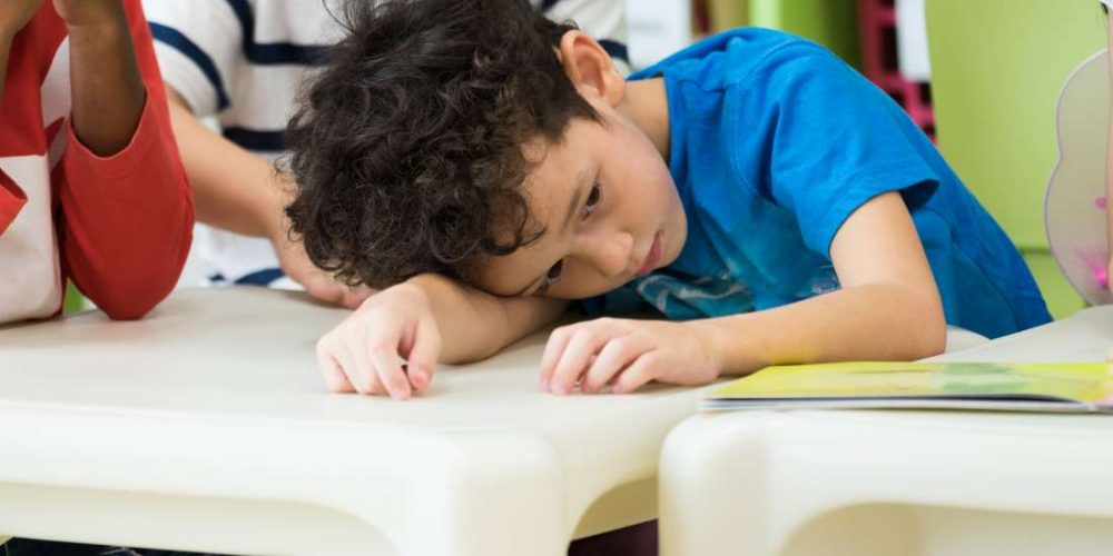 What are the symptoms of autism in a 3-year-old?