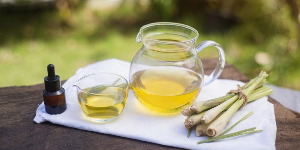 Benefits and uses of lemongrass essential oil