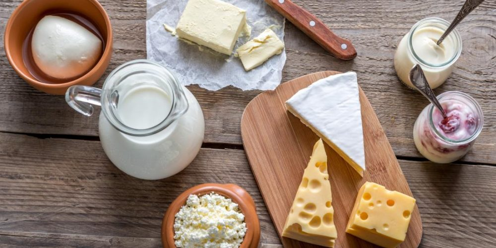 How do dairy fats influence the risk of type 2 diabetes?