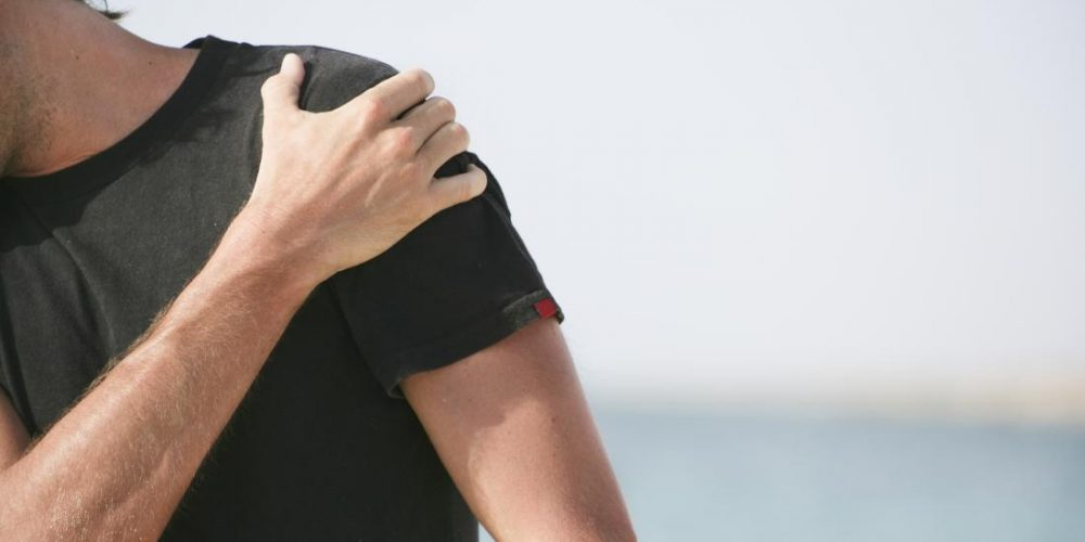 What to know about front shoulder pain