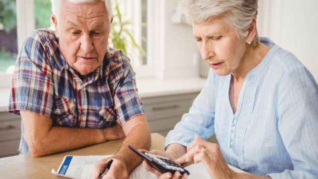 For Some, Trouble Tracking Finances Could Be Sign of Dementia