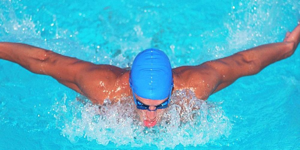 'Swimmer's Shoulder' Strikes 3 in 4 Teen Competitors