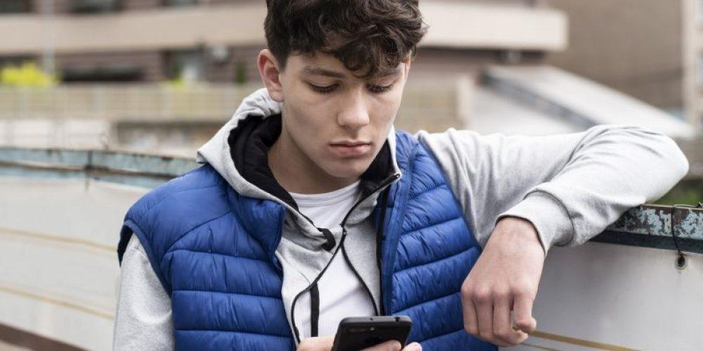 Texting Trauma: Many Teens Suffer 'Digital Dating Abuse'