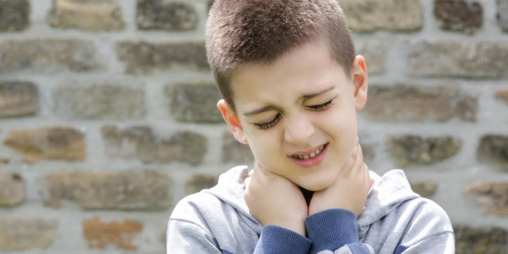 How do you treat neck pain in children?
