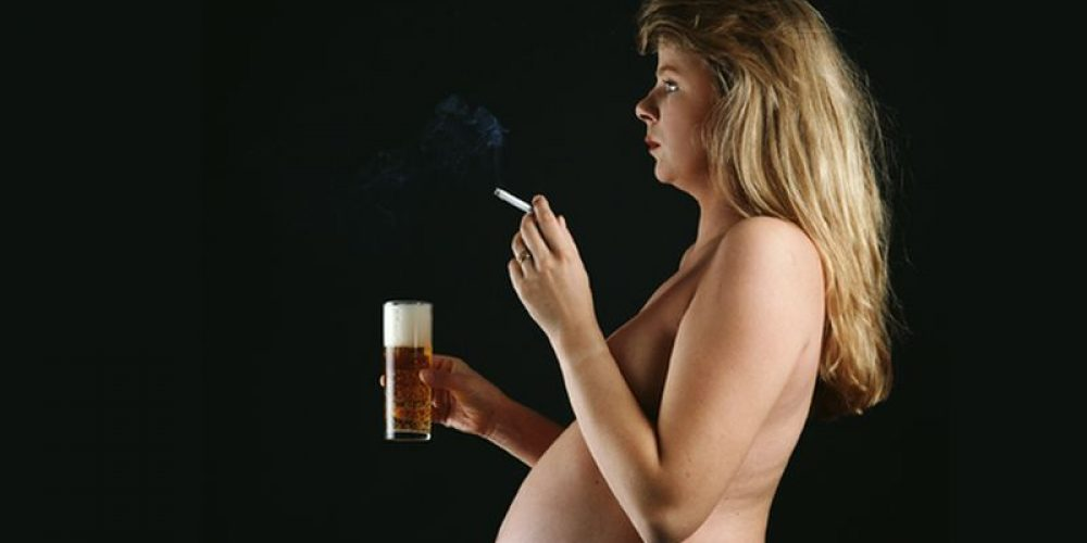 Pregnant Moms Who Smoke, Drink Put Babies at Risk of SIDS: Study