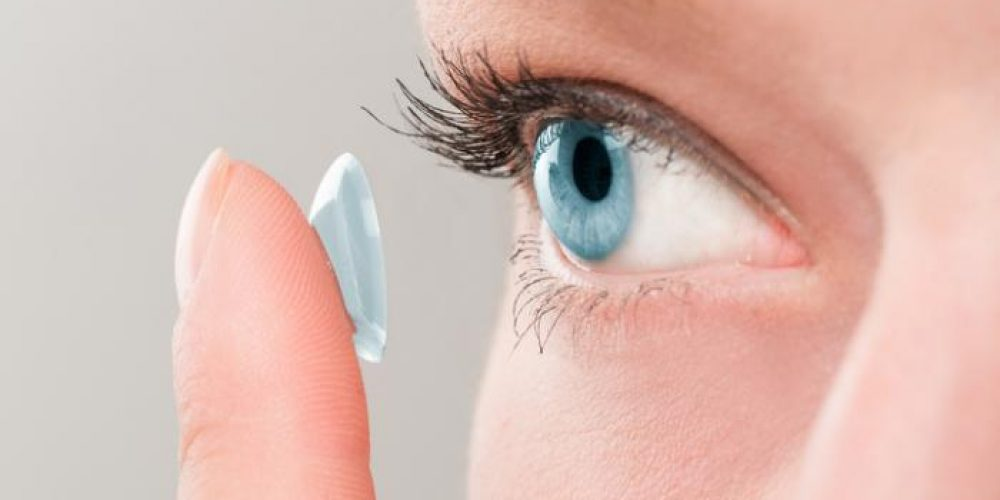 The best contact lenses for people with dry eyes
