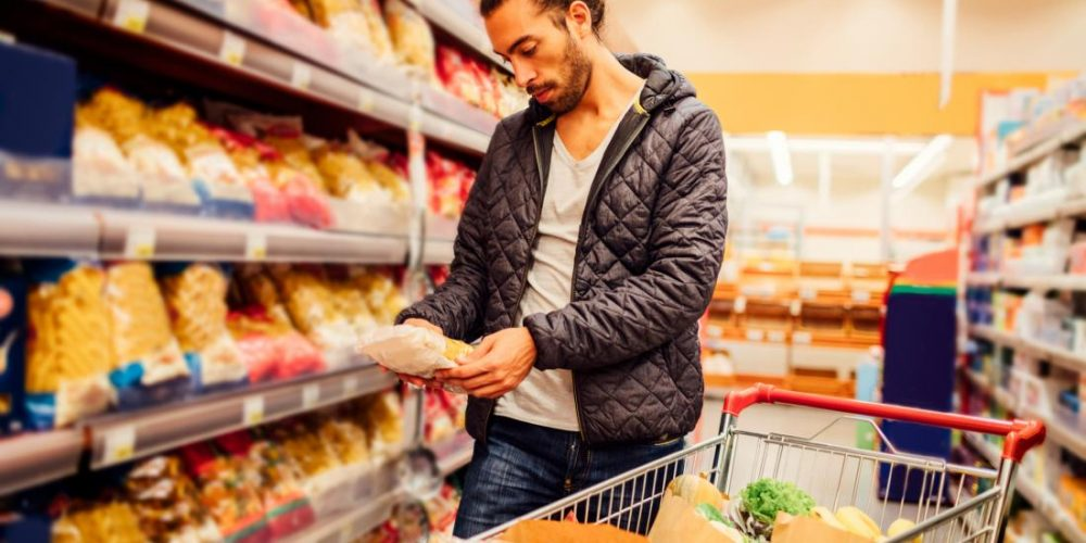 Foods with similar nutrition content affect the gut differently