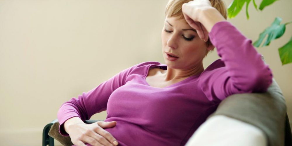 Pain in the lower abdomen and bloating: What to know