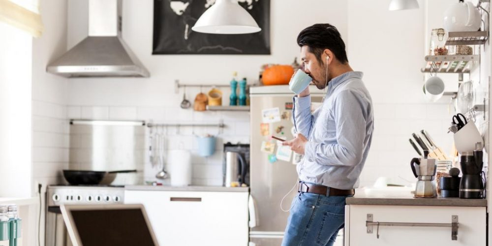 Does living alone increase mental health risk?