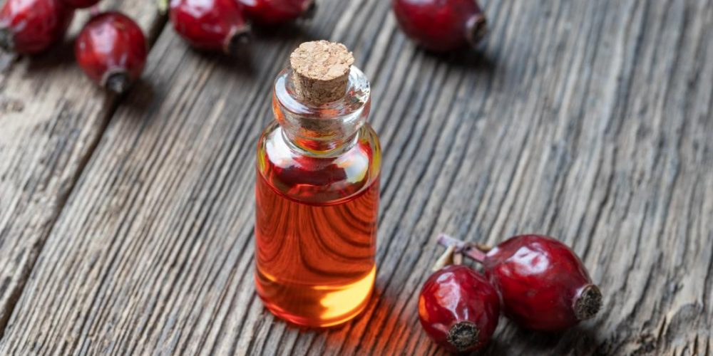 Rosehip oil: Benefits and how to use it on the face