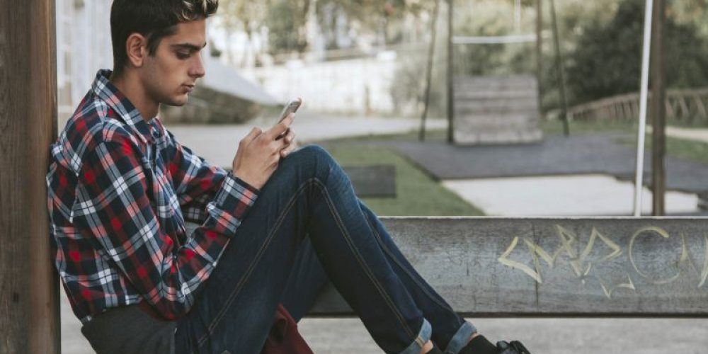 'Smartphone Slouching' More Serious Than It Sounds