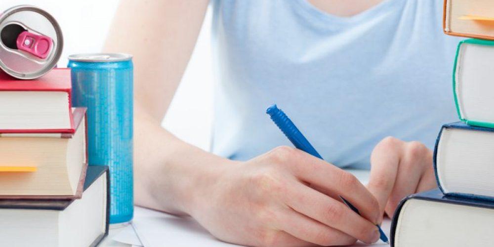 As Finals Draw Near, College Kids' Diets Worsen