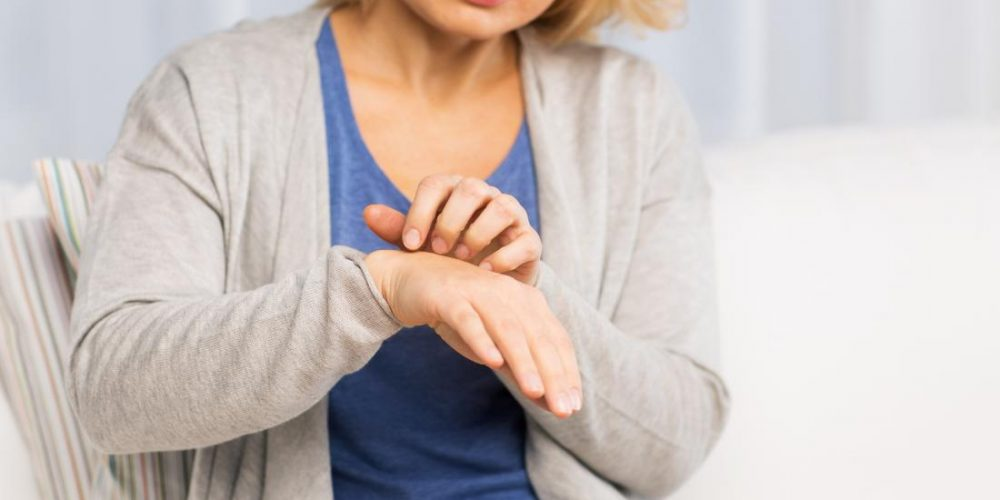 Does menopause cause rashes?