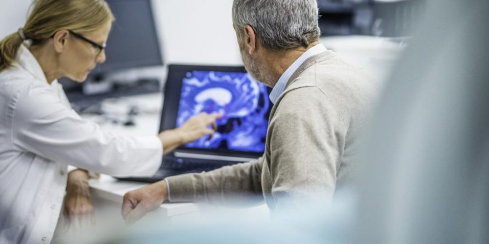 Experts draft guidelines for Alzheimer's-like condition