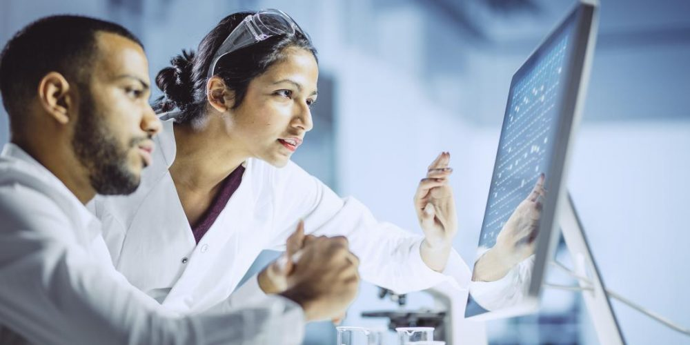 Male scientists more likely to present findings positively