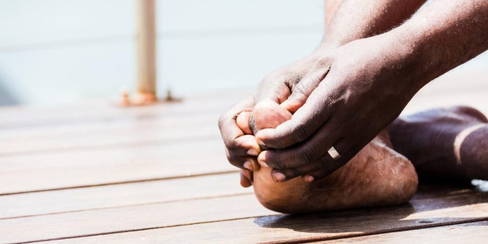 Pain at big toe joint: Everything you need to know