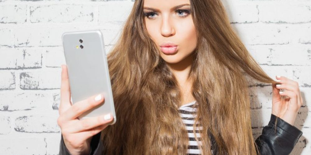 Posting All Those Selfies Online Could Backfire, Study Finds