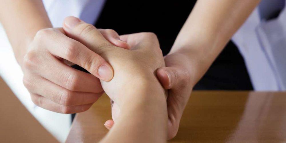Symmetric vs. asymmetric arthritis: What to know